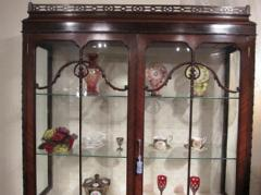 1910British Victorian showcase cabinet