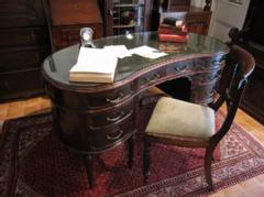 1920British kidney desk&chair